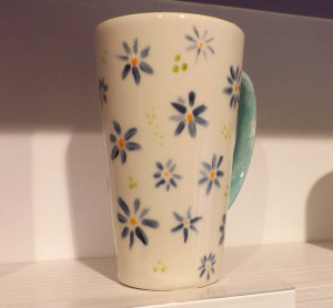 Paint a customized mug